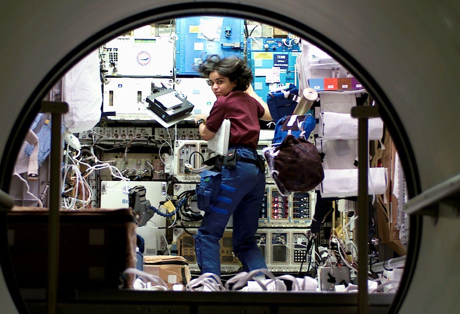 spacecraft kalpana chawla - photo #24